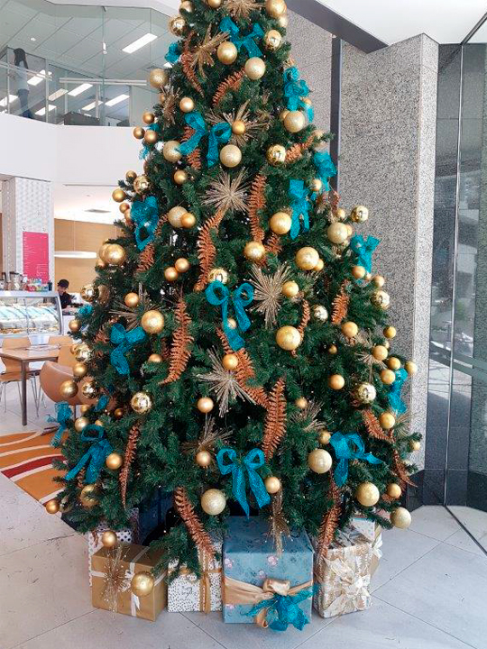 Christmas Tree Masterpiece, Blue Ribbon and Bronze Fern