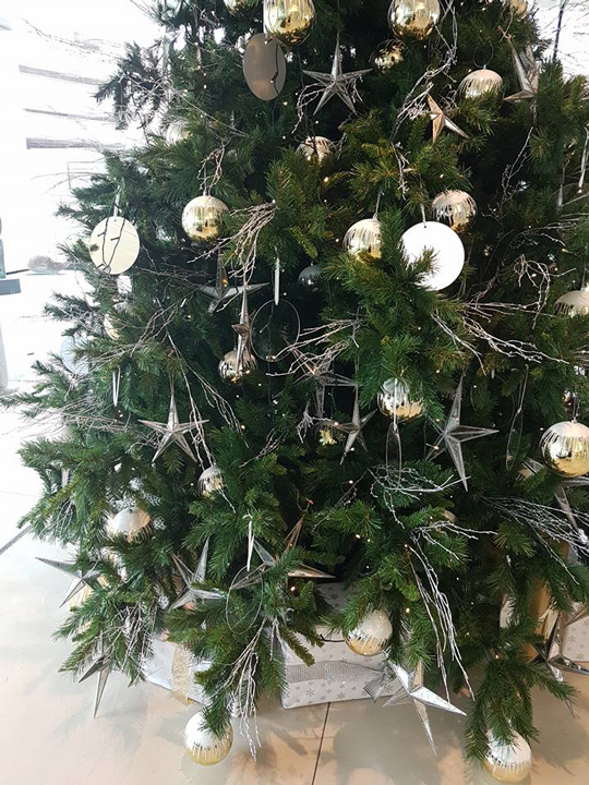 Christmas Tree Masterpiece, Lumley Silver Stars, Branches and Gold Baubles