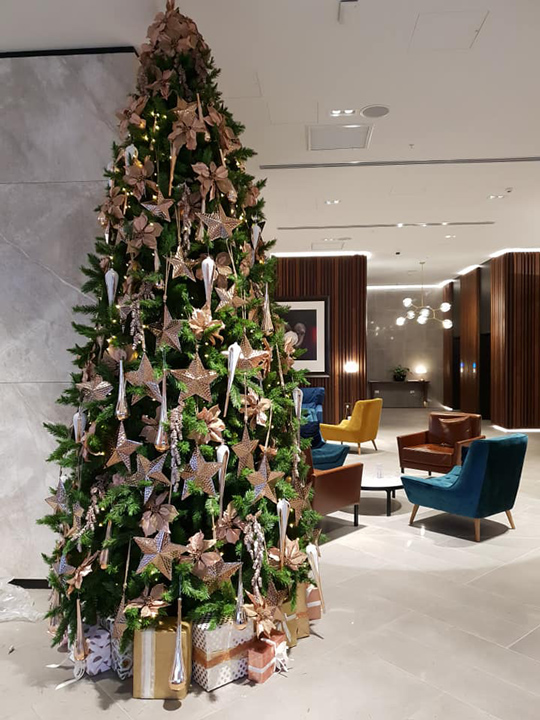 Christmas Tree Masterpiece, Crowne Plaza